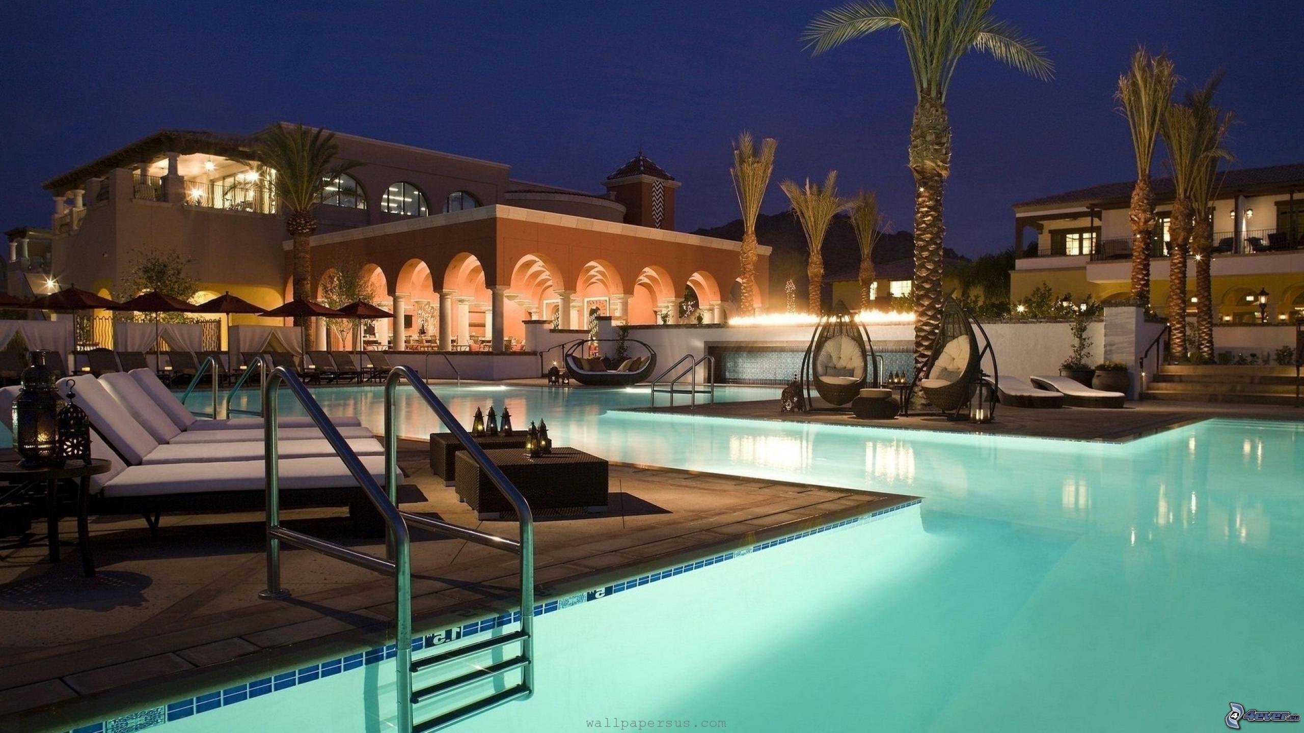 Casa di lusso - Immagini di piscina ...