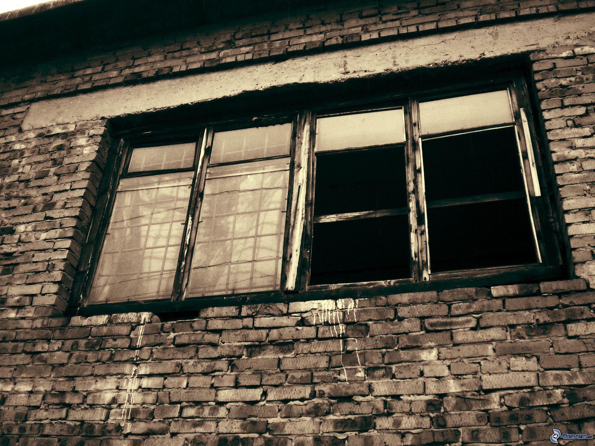 Vecchia finestra for Finestra vecchia