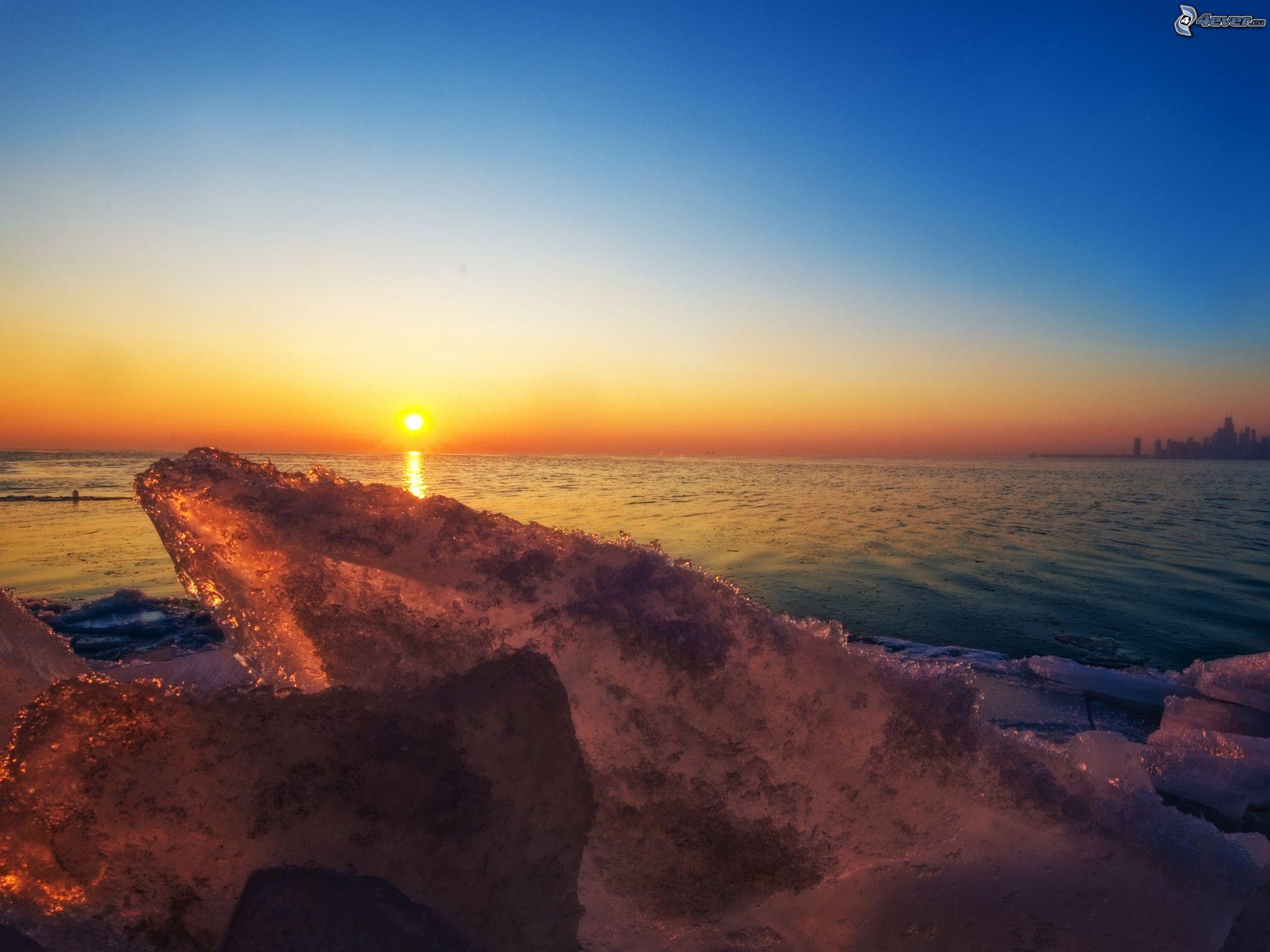 Tramonto sul mare for Immagini sfondo mare